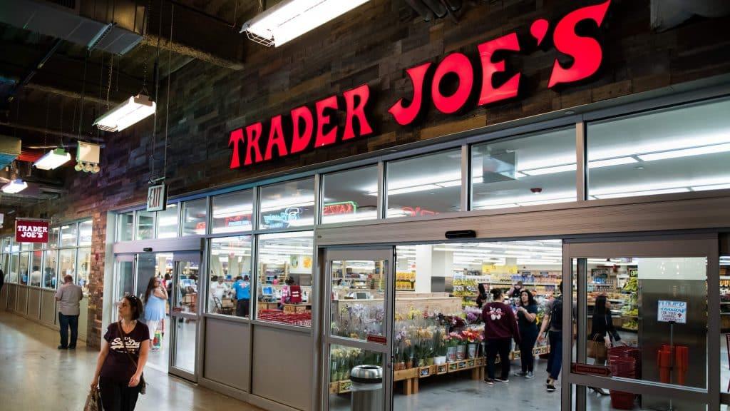 """10 อันดับ """"ร้านค้าปลีก"""" ที่มีนโยบายการคืนสินค้าที่ใจกว้างที่สุด"""